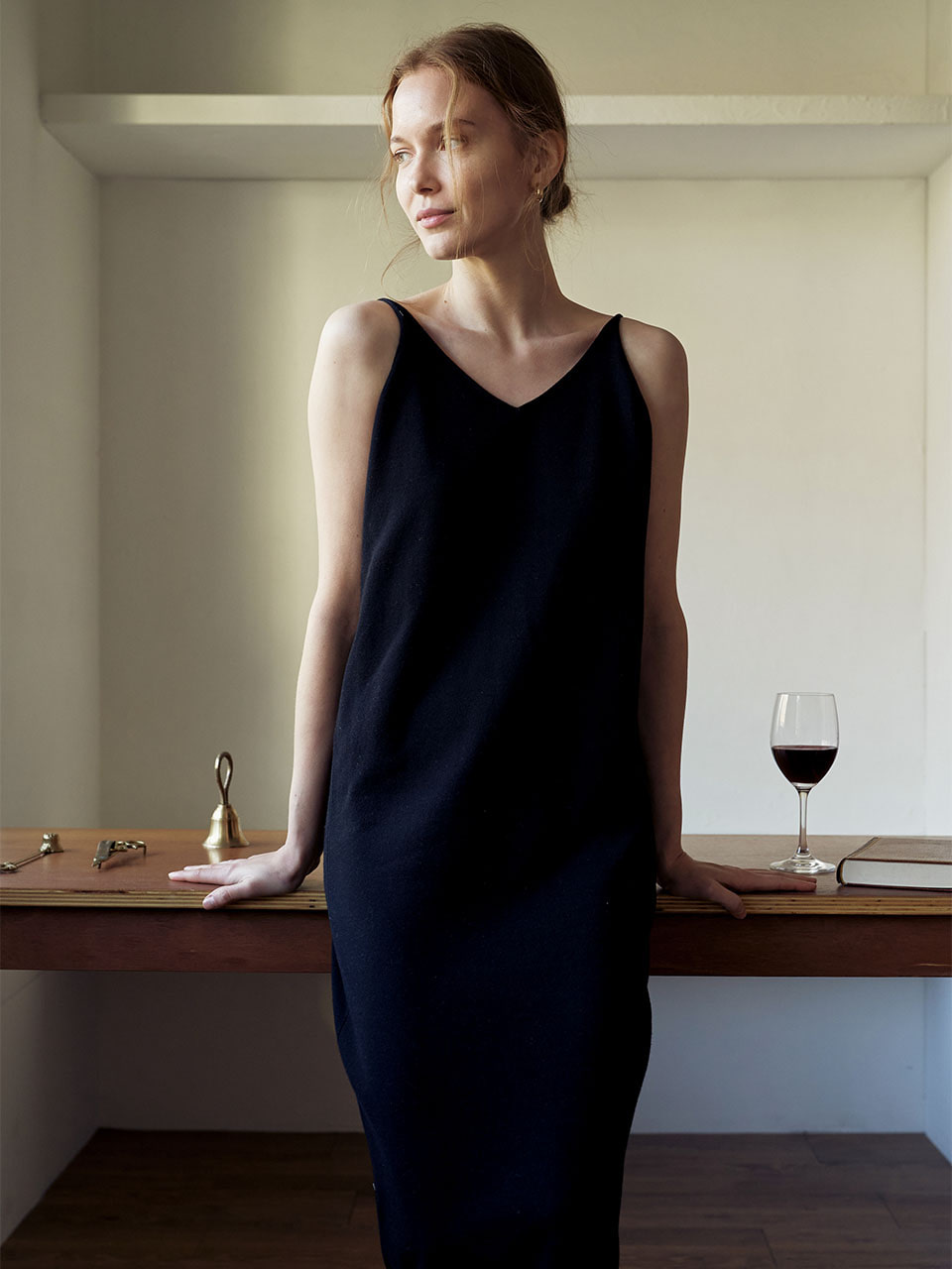 Composed Sleeveless Dress_Black